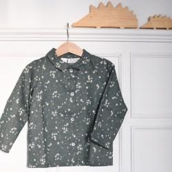 Camisa cuello verde estrellas