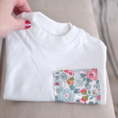 Camiseta niñ@ bolsillo flores